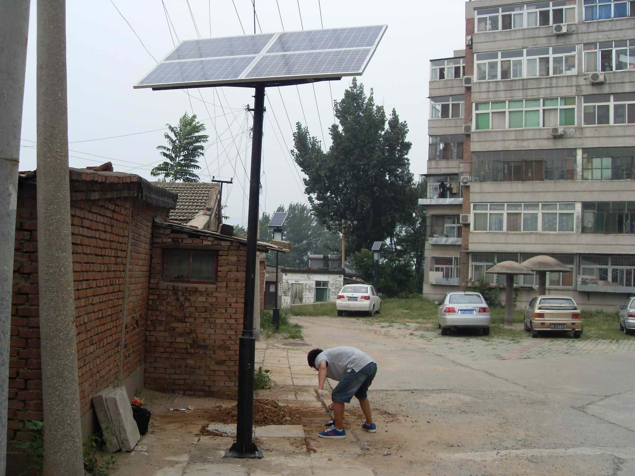 北京石景山炮厂小区太阳能庭院灯工程