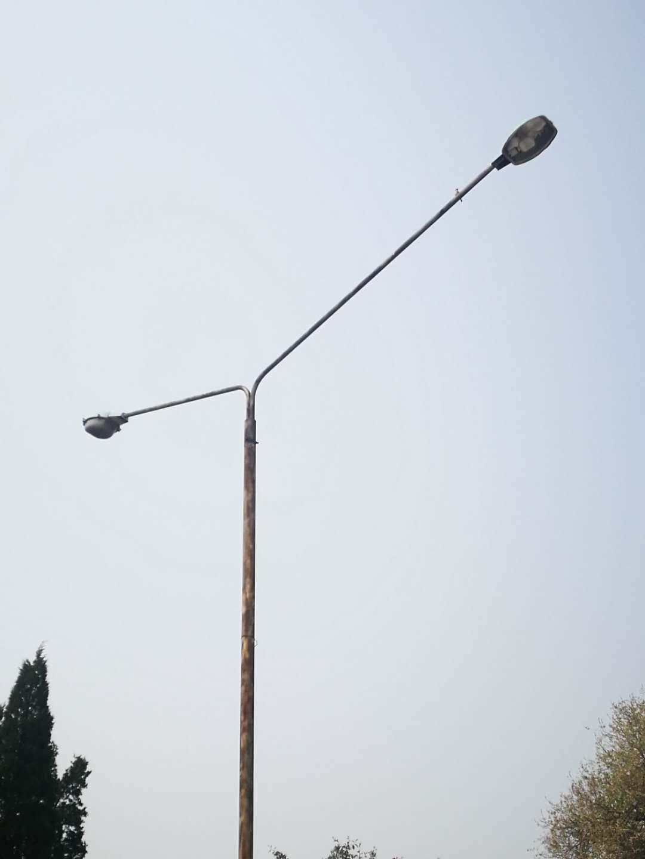 老旧市电路灯太阳能改造试点