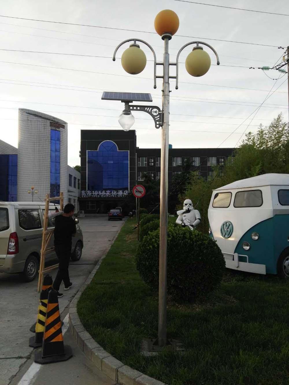 工厂老路灯太阳能改造