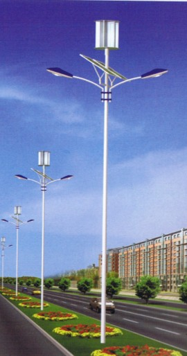 广东宿舍息了灯,窗外有太阳能路灯