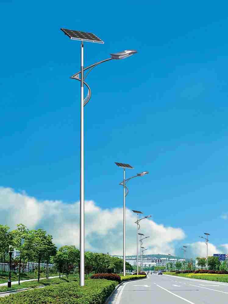 四川达州男子自费12万元安装82盏路灯